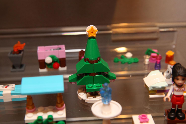 41016 LEGO Friends Advent Calendar 11