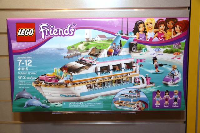 41015 Dolphin Cruiser 1