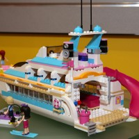 41015 Dolphin Cruiser 9