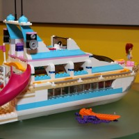 41015 Dolphin Cruiser 11