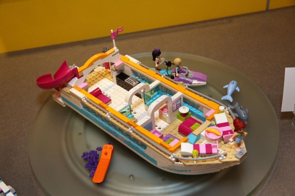 Как сделать пароход лего френц
